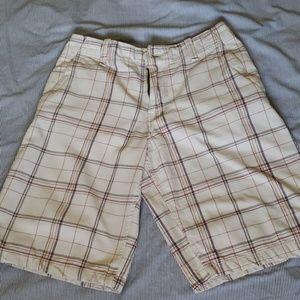 Aeropostale Mens Plaid Flat-Front Bermuda Shorts
